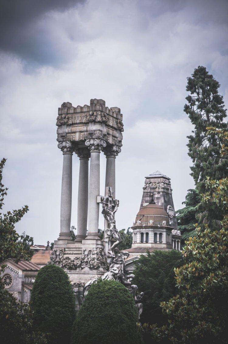Cimitero Monomentale_Obelisken.jpg