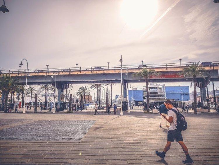 Auarium Genua Hafen.jpg
