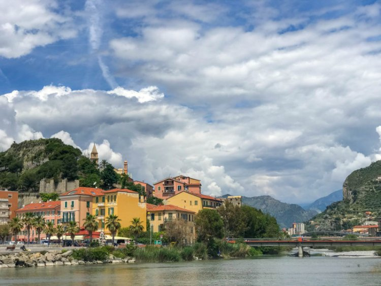 Mündung der Roya bei Ventimiglia