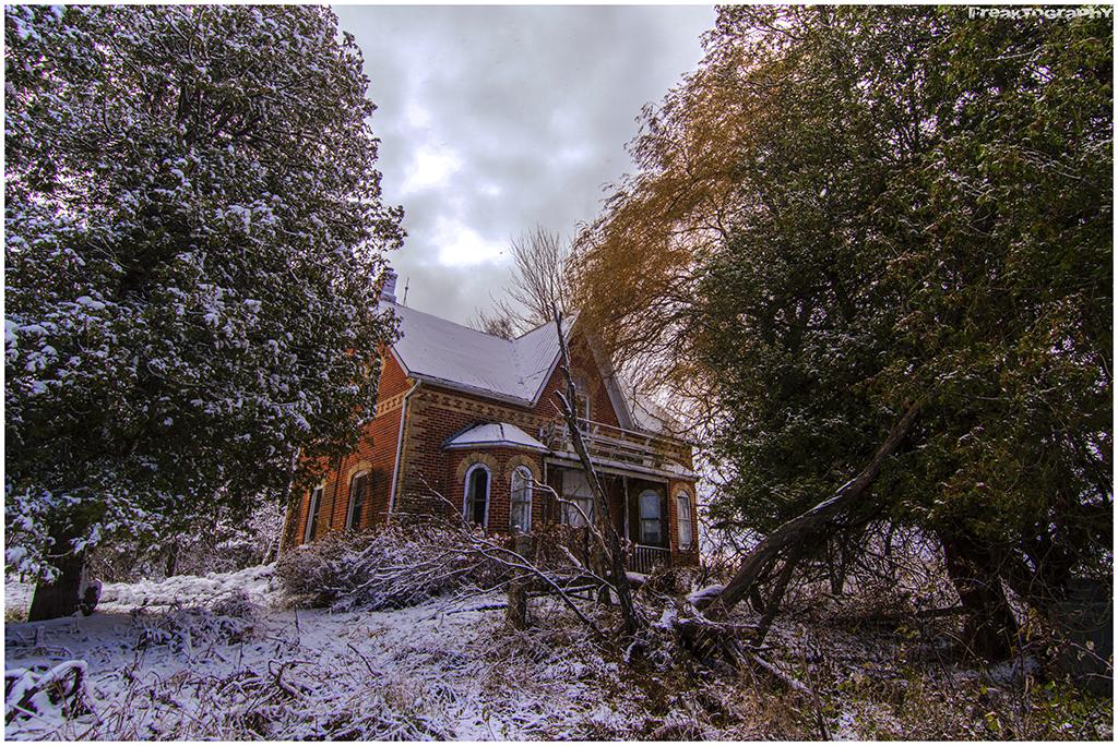 ontario abandoned house