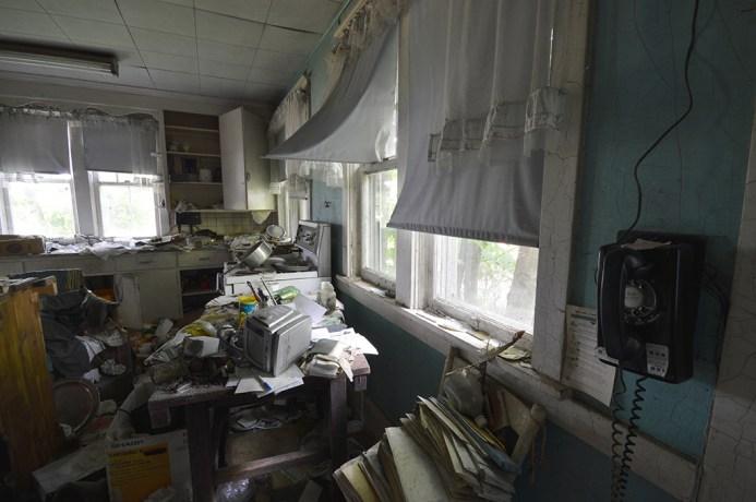 Abandoned Antique House (17)
