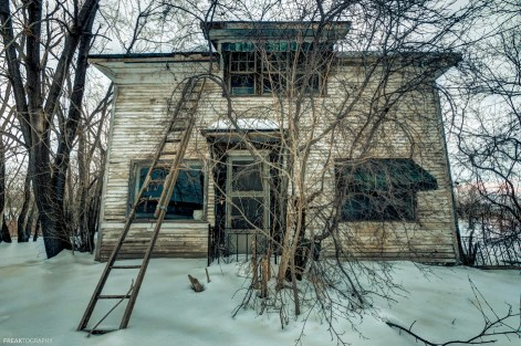 Just a simple exterior of an abandoned house