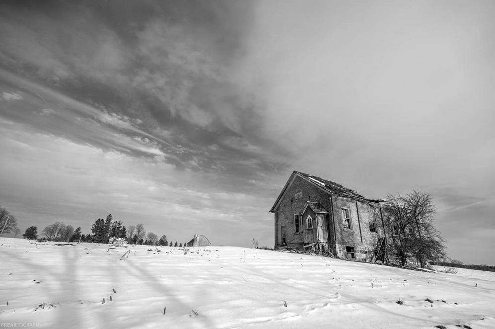 abandoned ontario schoolhouse BW