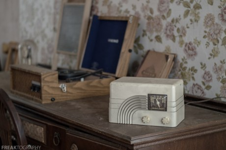 Freaktography, abandoned, abandoned photography, abandoned places, antique radio, creepy, decay, derelict, haunted, haunted places, photography, radio, still life, urban exploration, urban exploration photography, urban explorer, urban exploring