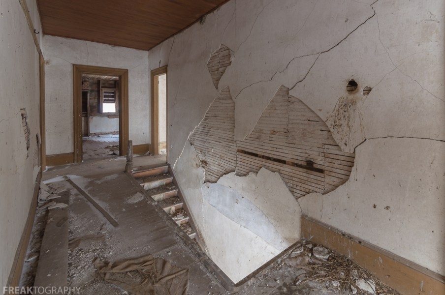 Freaktography, abandoned, abandoned photography, abandoned places, creepy, crumbling wall, decay, derelict, haunted, haunted places, light, photography, staircase, stairs, urban exploration, urban exploration photography, urban explorer, urban exploring
