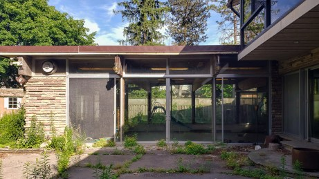 abandoned 1970s mansion