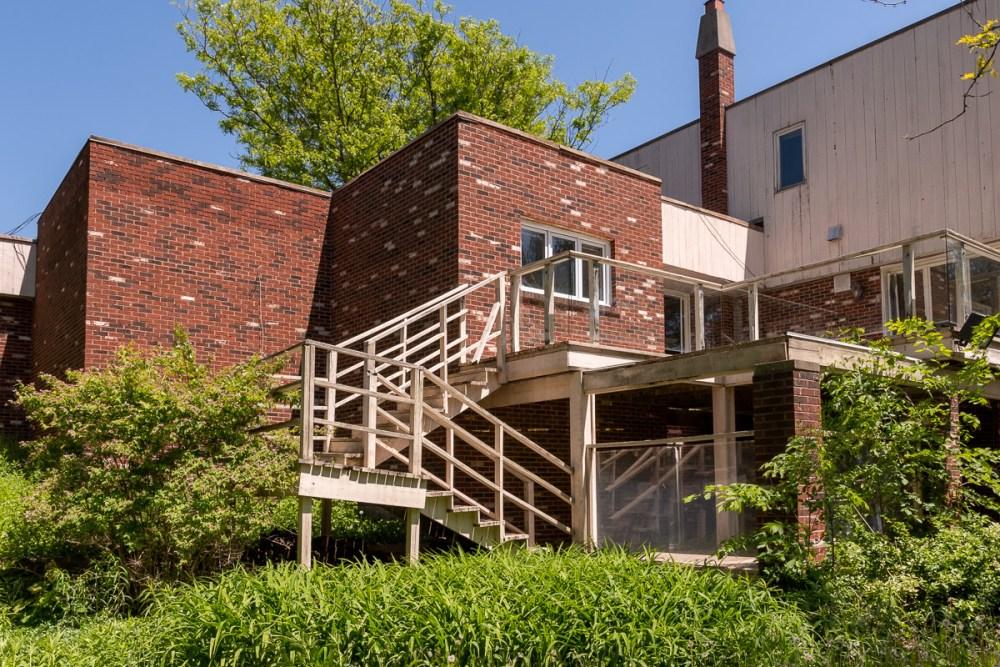 vacant 5 million dollar mansion