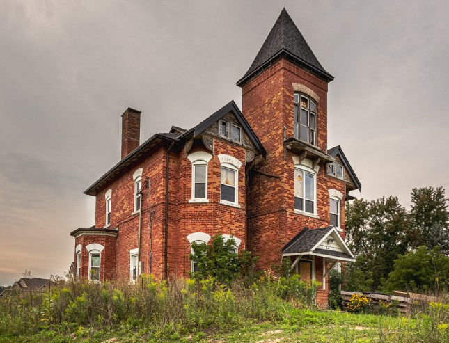 abandoned house cookstown ontario