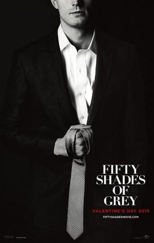 Jamie-Dornan-tombe-la-cravate-sur-son-poster-de-50-nuances-de-Grey_portrait_w532