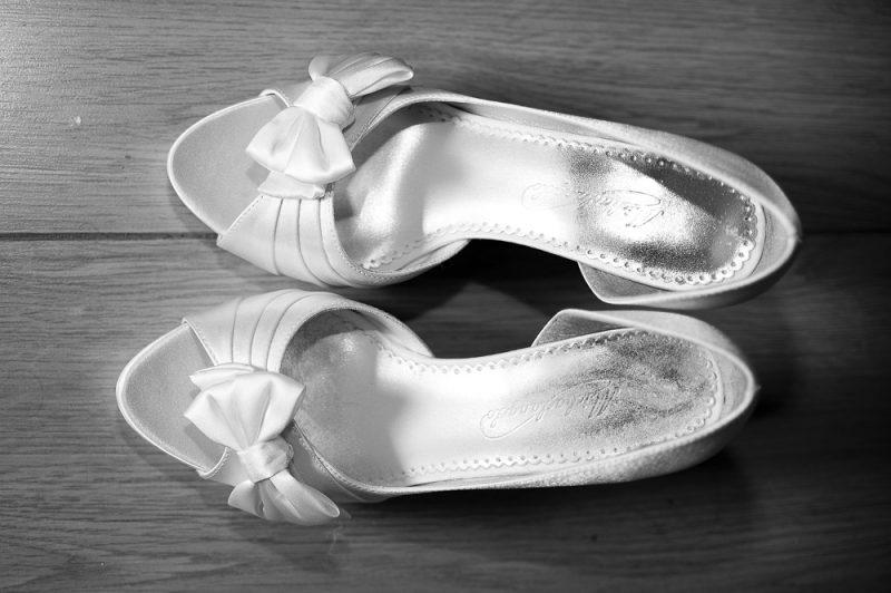 photo des chaussures de mariée
