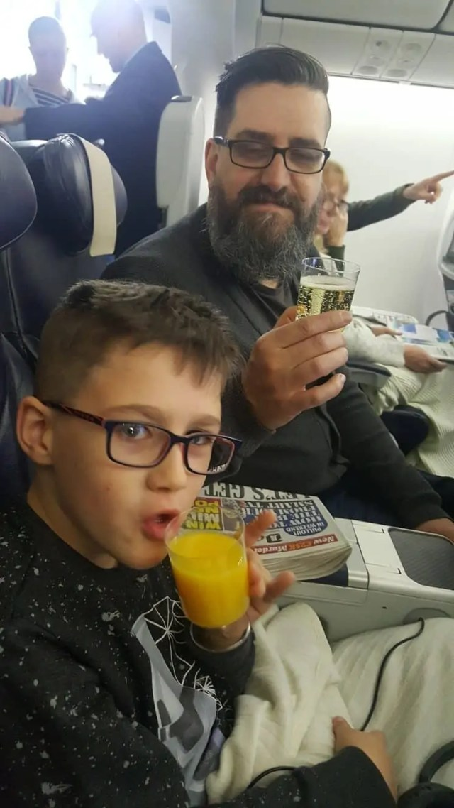 Keeping hydrated on a long haul flight with kids