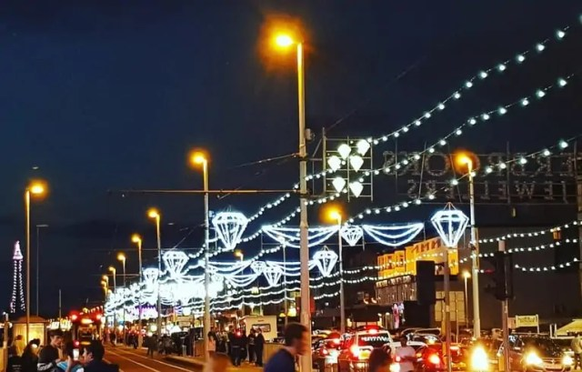 Blackpool Illuminations - family days out blackpool