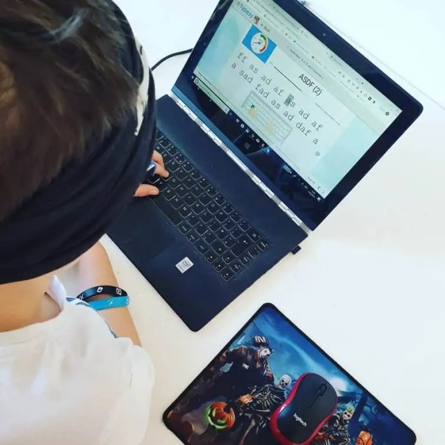 Typesy review - touch typing for kids