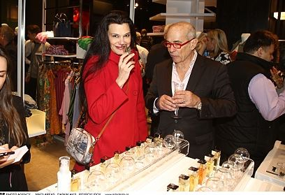 Οι επώνυμοι γνώρισαν την  Otentic Perfumes!  (Εικόνες)