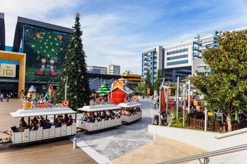 Christmas in GoldenLand!
