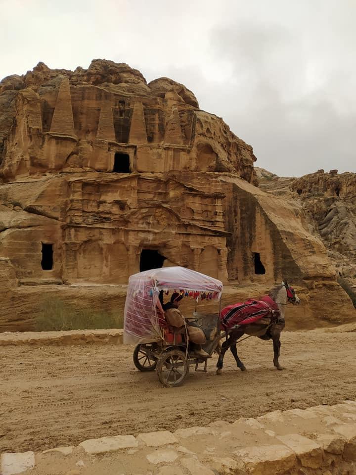 Έλσα Τόλη: Μαγικές εικόνες από το ταξίδι στην Ιορδανία με την οικογένεια της