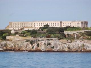 Alcatraz vue du bateau
