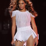 "Beyonce Bans Photographers & Releases ""Mrs. Carter Show"" Tour Trailer"