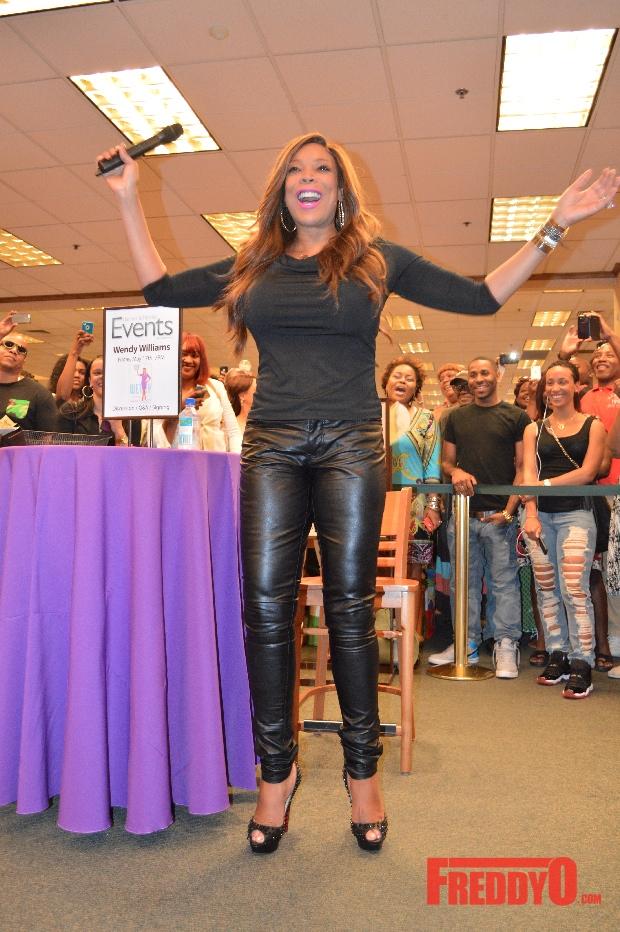 Wendy-Williams-Ask-Wendy-Atlanta-Book-Signing-Freddy-O
