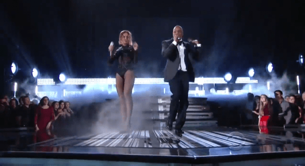 video-beyonce-performs-drunk-in-love-with-jay-z-at-the-2014-grammysq323