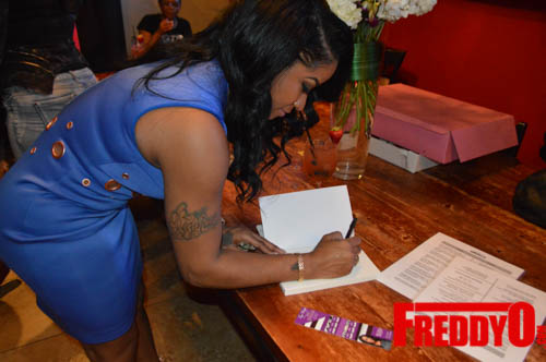 toya-wright-atlanta-how-to-lose-a-husband-book-signing-freddyo-145