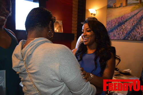 toya-wright-atlanta-how-to-lose-a-husband-book-signing-freddyo-173