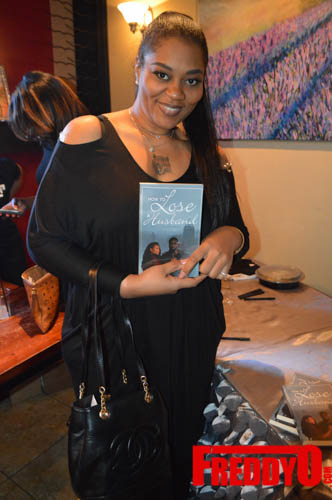 toya-wright-atlanta-how-to-lose-a-husband-book-signing-freddyo-208