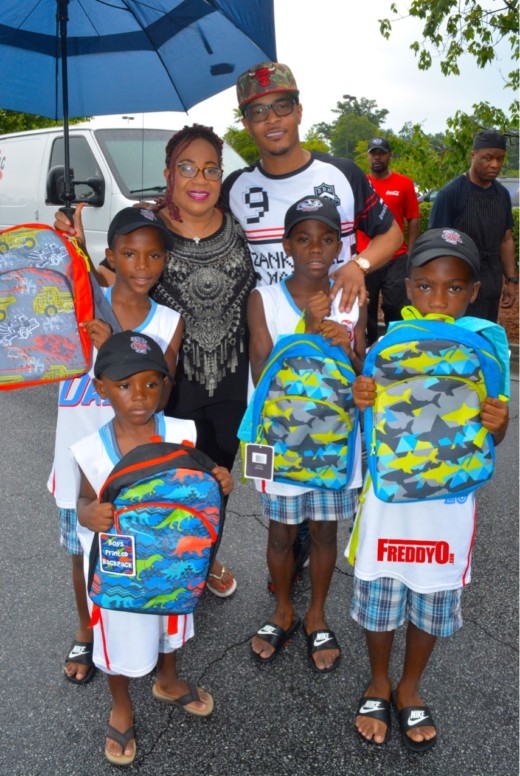 ti-book-bag-give-away-freddyo
