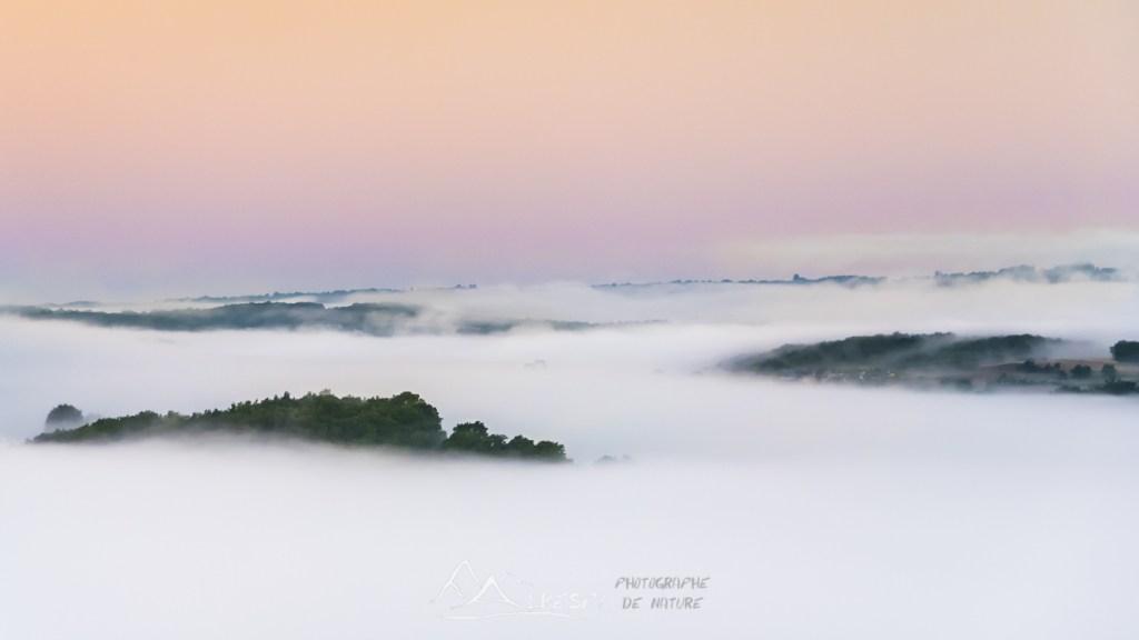 Au dessus du monde (Vallée du Lot) n°0201