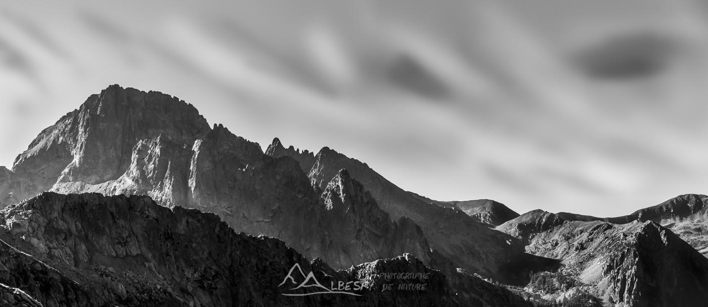 Sommets rocheux (Parc National du Mercantour - Alpes) n°0403