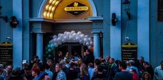 "Grand Opening af ""Old Irish Pub"""