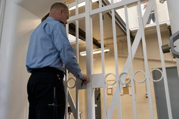 betjent, fængsel
