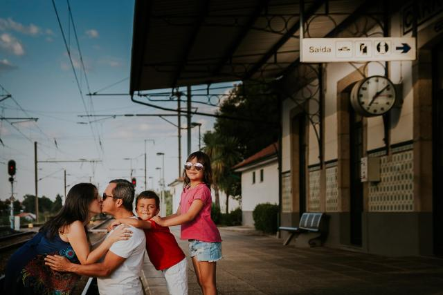 seance photo famille gare train