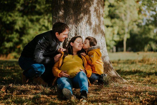moment en famille dans les bois