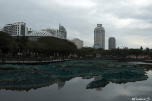 The artificial lake of Ritzal Park, with its reconstitution of the archipelago of the Philippines