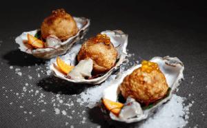 TakoMar, Takoyaki aux huîtres Marennes Oléron et sabayon au Champagne, feuilles d'épinard et citron caviar