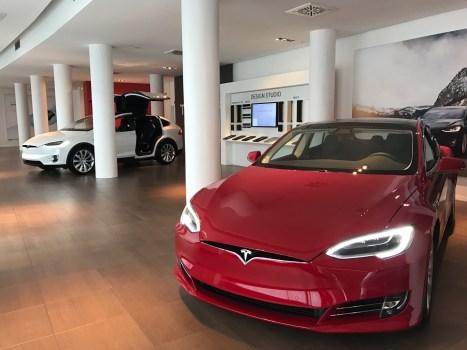 Masculin Center x Tesla Lausanne
