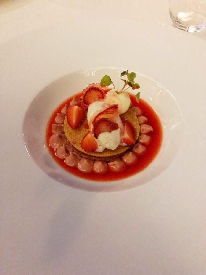 Restaurant Les Fresques - Dessert à la fraise