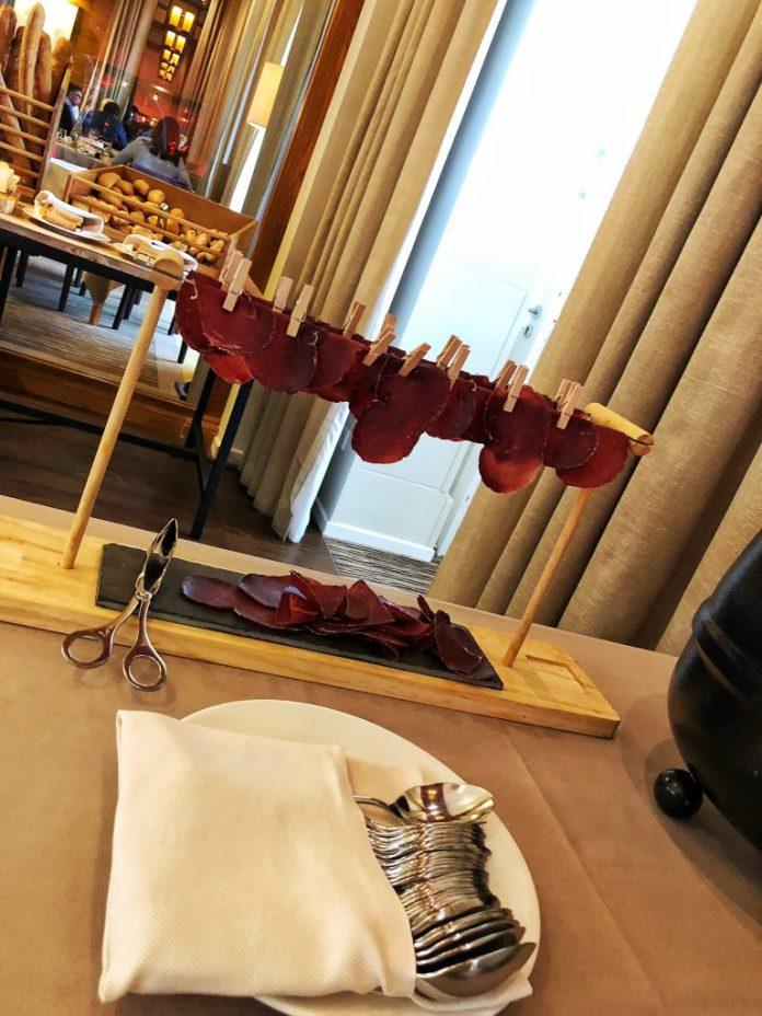Brunch à l'hôtel Ermitage : Viandes séchées