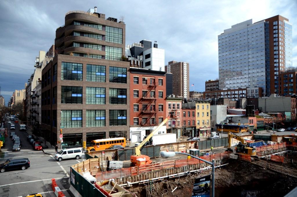 Hole-in-NY