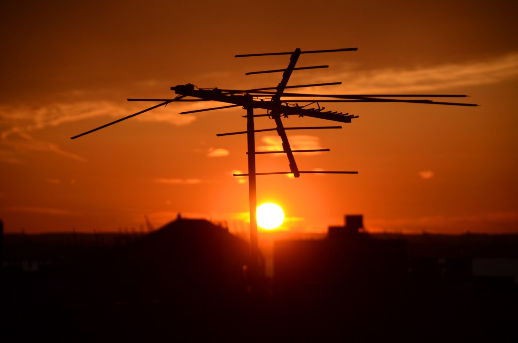 Sundown-TV-antenna-NY
