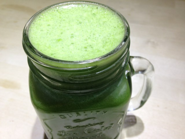 pineapple, spinach, cucumber, ginger-root & mint juice