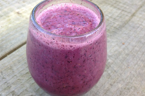 banana & blueberry vegan m!lkshake