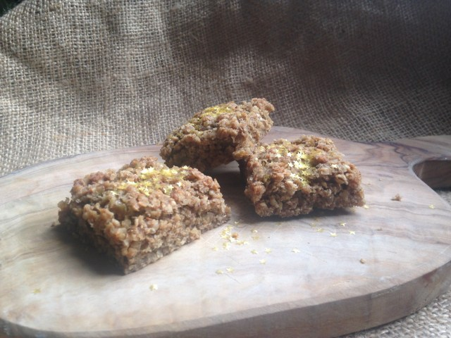 spiced vegan & gluten-free flapjacks