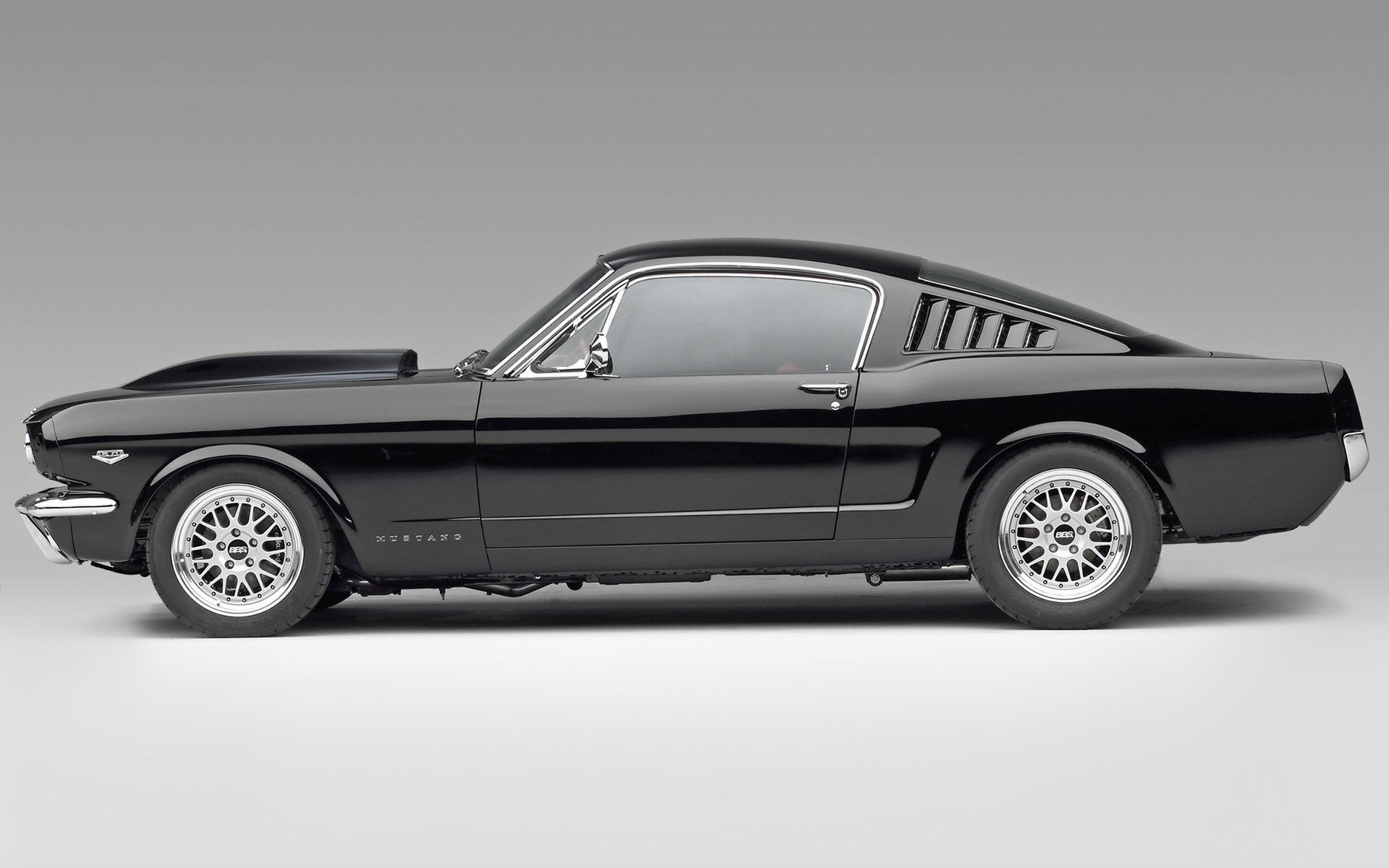 If you're thinking of buying a classic ford mustang, it helps to understand how the car evolved o. Ford Mustang Fastback 1965 Hd Wallpaper