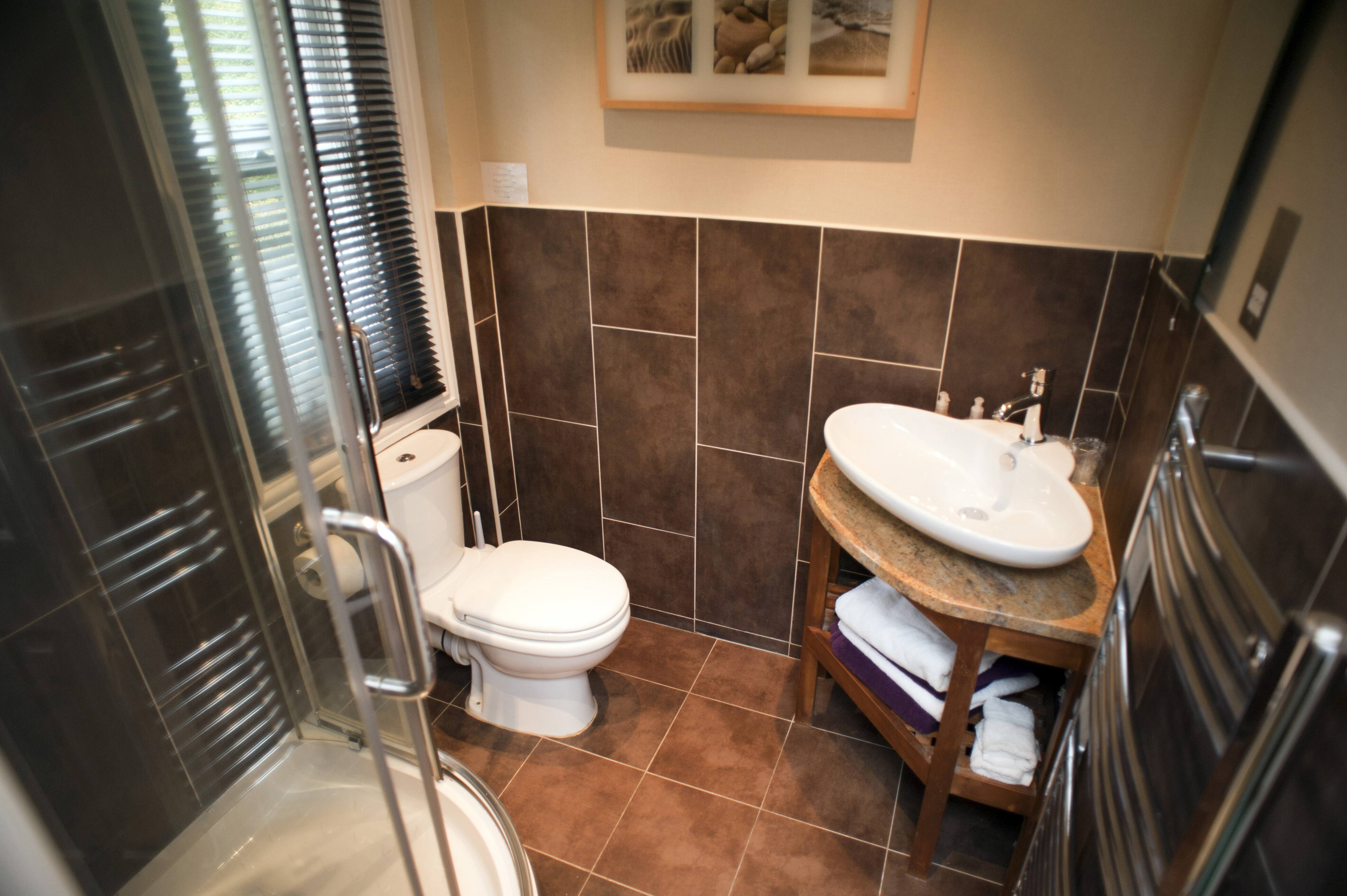 Image of Ensuite bathroom interior  FreebiePhotography