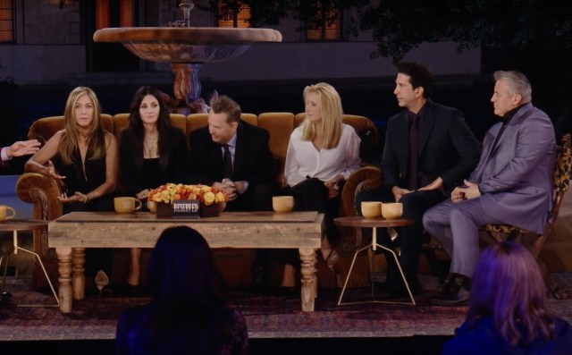 """Jennifer Aniston And David Schwimmer Reveal Having A Mutual Crush While Filming """"Friends"""""""