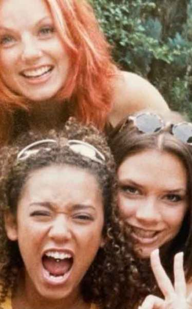 Spice Girls celebrate 25th anniversary of Wannabe with throwback pics |  EW.com