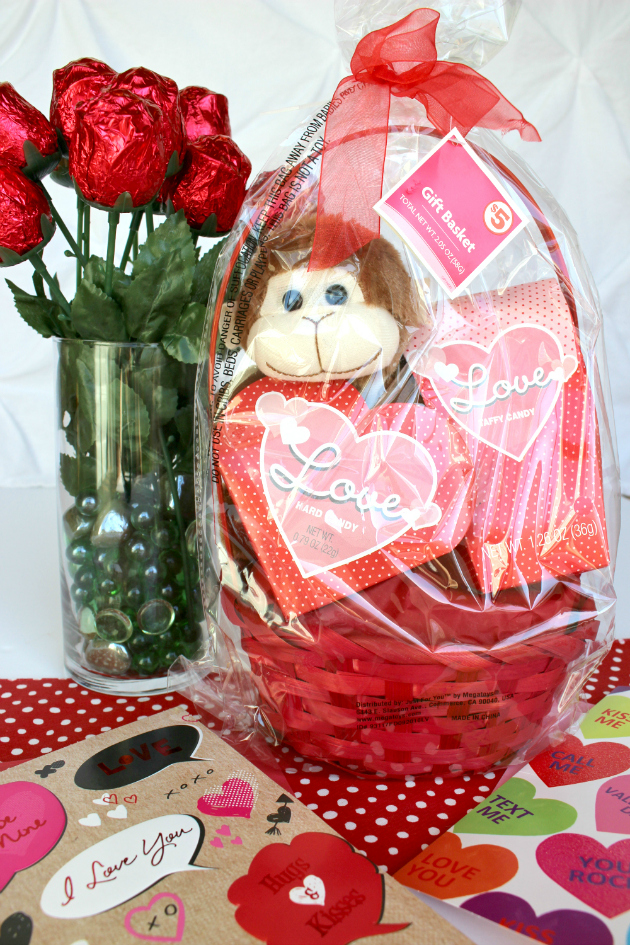 Valentine's Day at Family Dollar: Heart OREOS, Chocolate Heart Bundt Cakes and Chocolate Roses Centerpiece