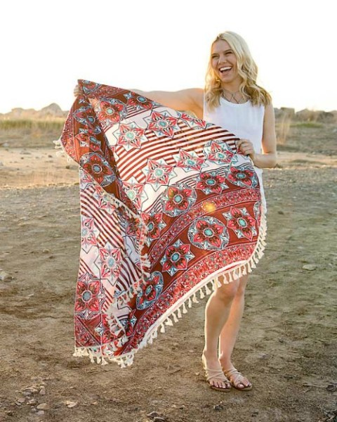 2 For $10: Beach Wraps & Summer Hats